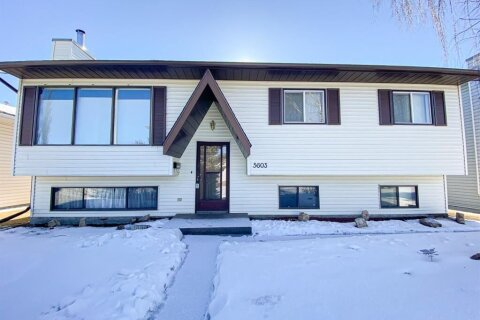5603 43  Street Close, Olds | Image 2
