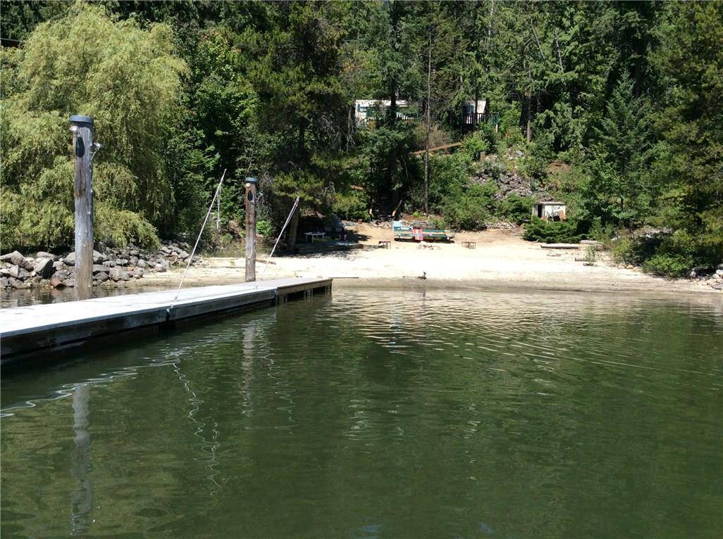 House for sale at 5604 3a Highway  Kokanee Creek To Balfour British Columbia - MLS: 2442429