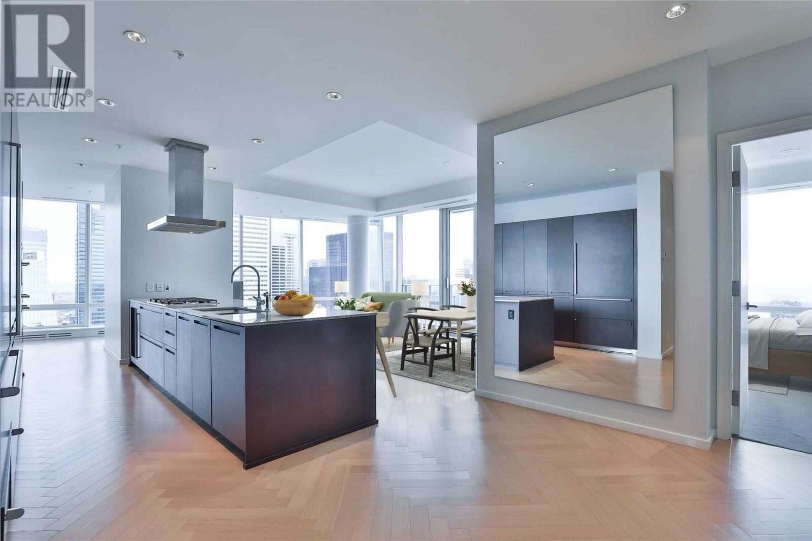 Apartment for rent at -180 University Ave Unit 5608 Toronto Ontario - MLS: C4955305