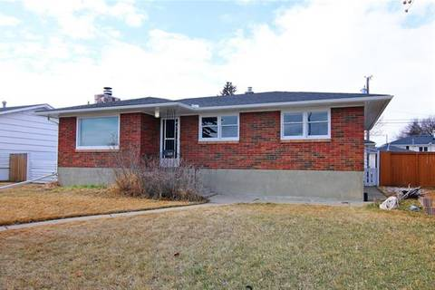House for sale at 5619 Centre St Northwest Calgary Alberta - MLS: C4232530