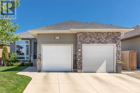 House for sale at 562 Hartley Ter  Saskatoon Saskatchewan - MLS: SK775713