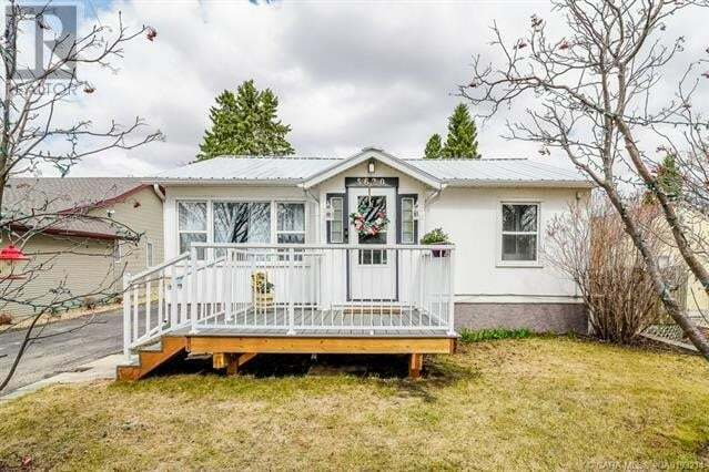 House for sale at 5620 51 Ave Lacombe Alberta - MLS: ca0193214
