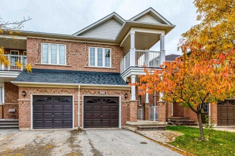 Townhouse for rent at 5620 Longboat Ave Mississauga Ontario - MLS: W4963513