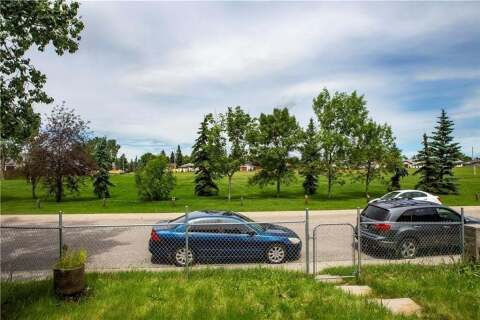 Townhouse for sale at 5620 Pensacola Cres Southeast Calgary Alberta - MLS: C4306046