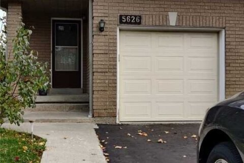 Townhouse for rent at 5626 Cosmic Cres Mississauga Ontario - MLS: W4967806