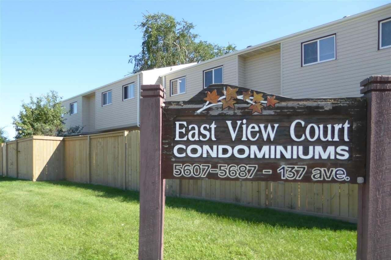Townhouse for sale at 5627 137 Av NW Edmonton Alberta - MLS: E4209385