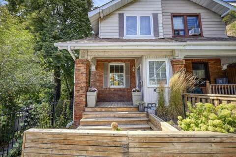 Townhouse for sale at 568 Woodbine Ave Toronto Ontario - MLS: E4922589