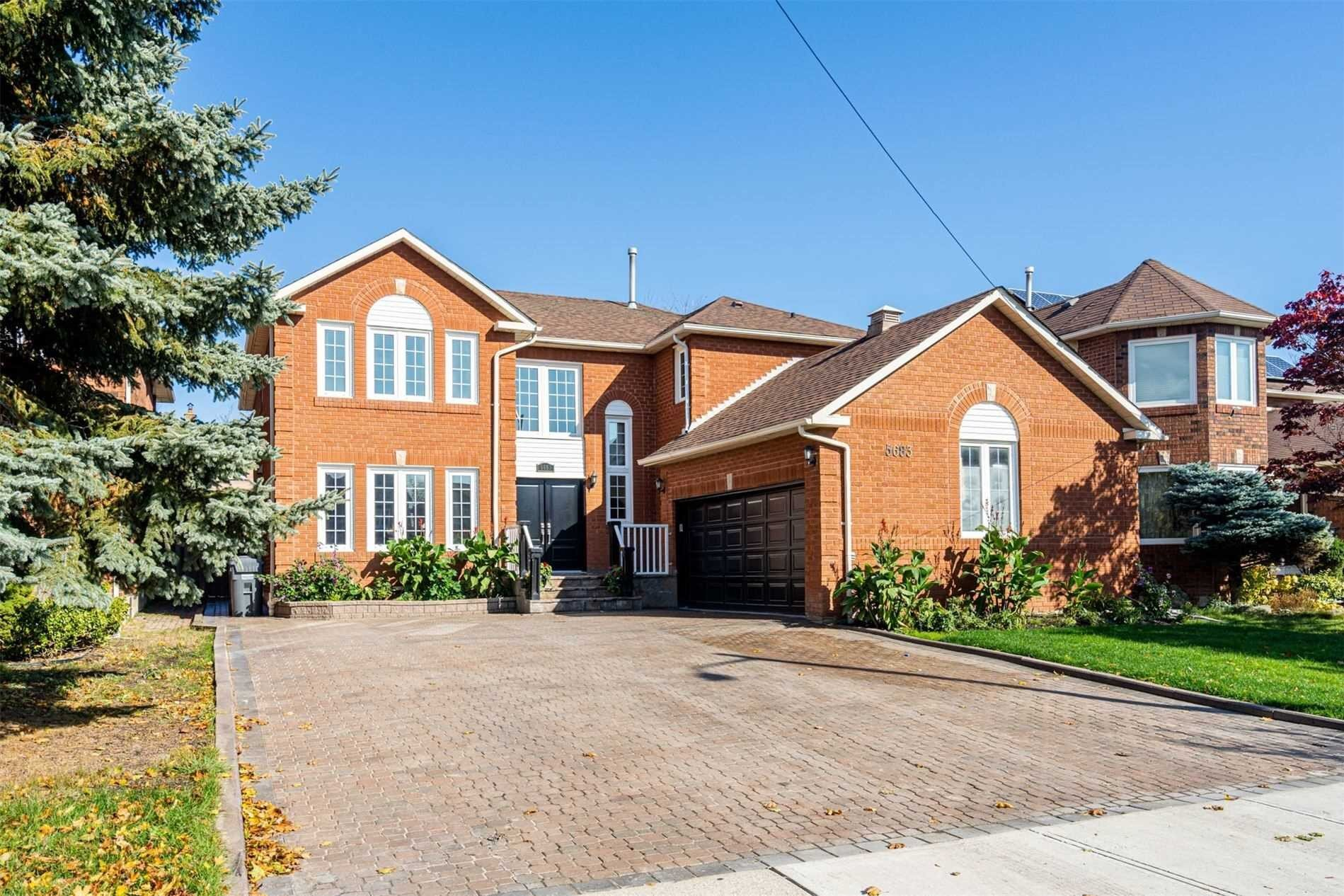 House for sale at 5683 Oldcastle Cres Mississauga Ontario - MLS: W4970161