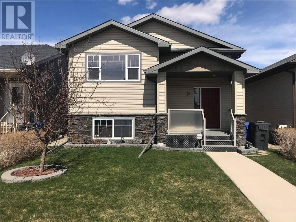 House for sale at 569 Margaret Sutherland Cres N Lethbridge Alberta - MLS: ld0191803