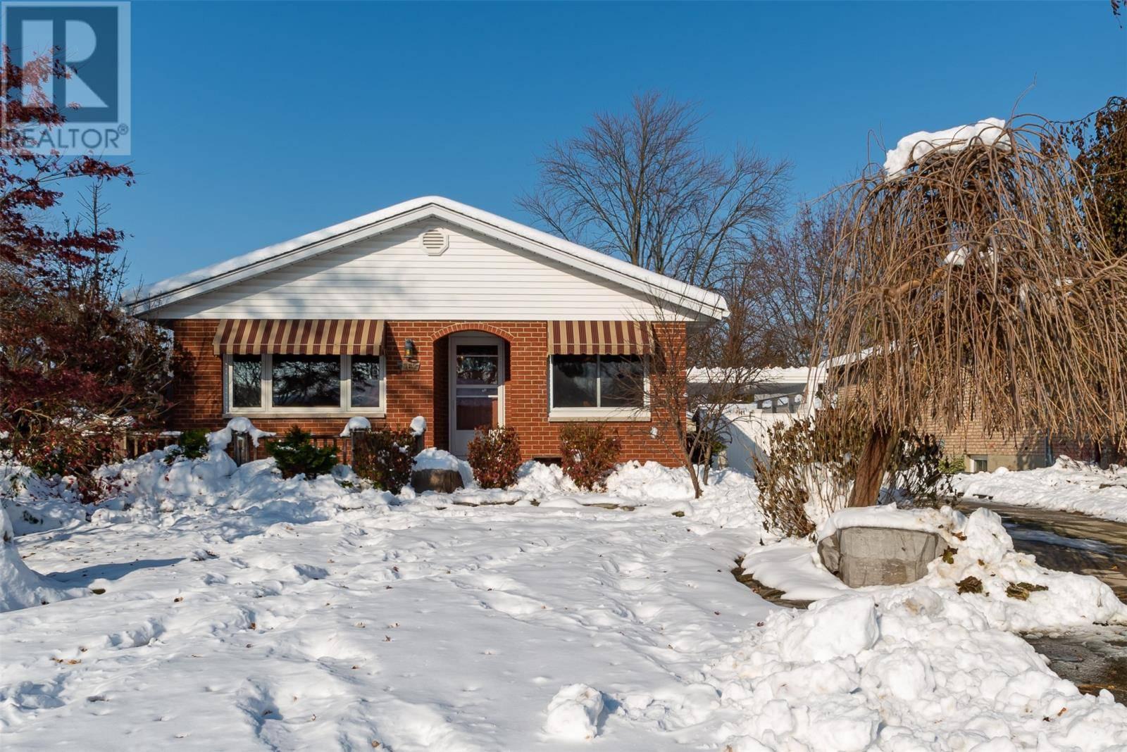 House for sale at 569 Niagara St Plympton-wyoming Ontario - MLS: 19028537