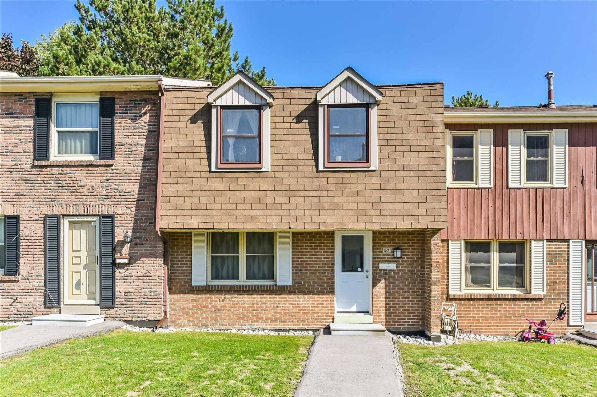 Buliding: 2061 Bridletowne Circle, Toronto, ON