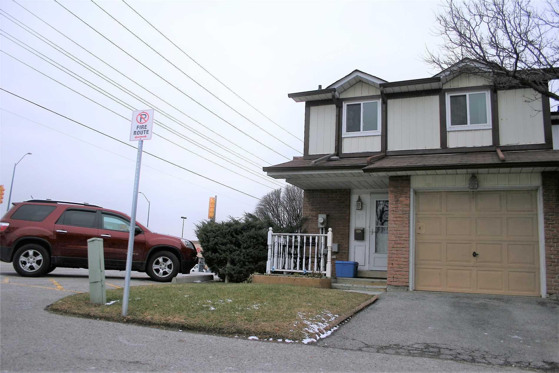 Buliding: 540 Dorchester Drive, Oshawa, ON