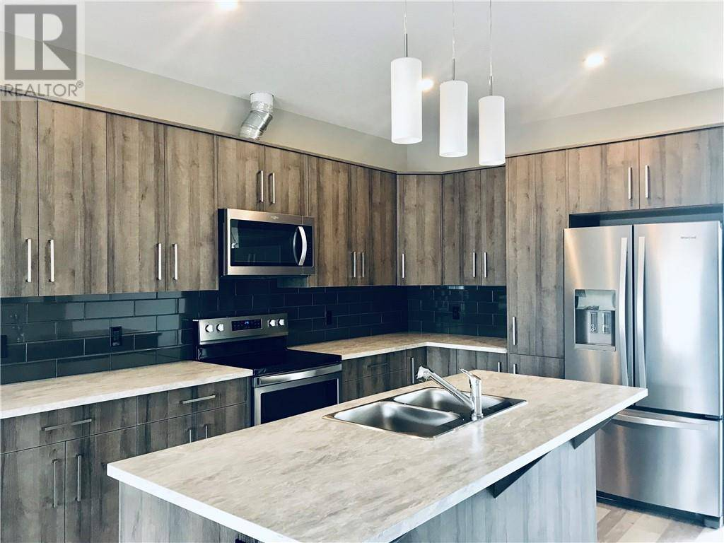 Townhouse for sale at 57 Athens Rd Blackfalds Alberta - MLS: ca0172530