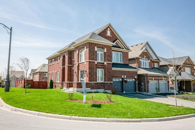 Sold: 57 Old Field Crescent, Newmarket, ON