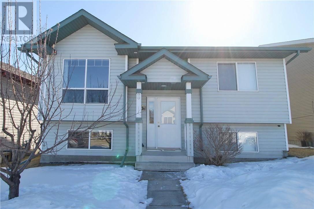 House for sale at 57 Wildrose Dr Sylvan Lake Alberta - MLS: ca0189881