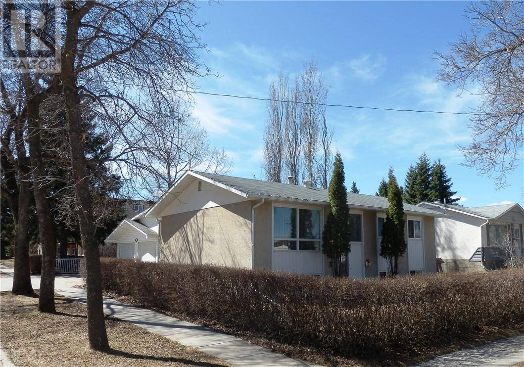 House for sale at 5701 47 Ave Camrose Alberta - MLS: ca0189945