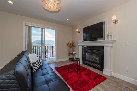 Townhouse for sale at 5705 Woodsworth St Burnaby British Columbia - MLS: R2373236