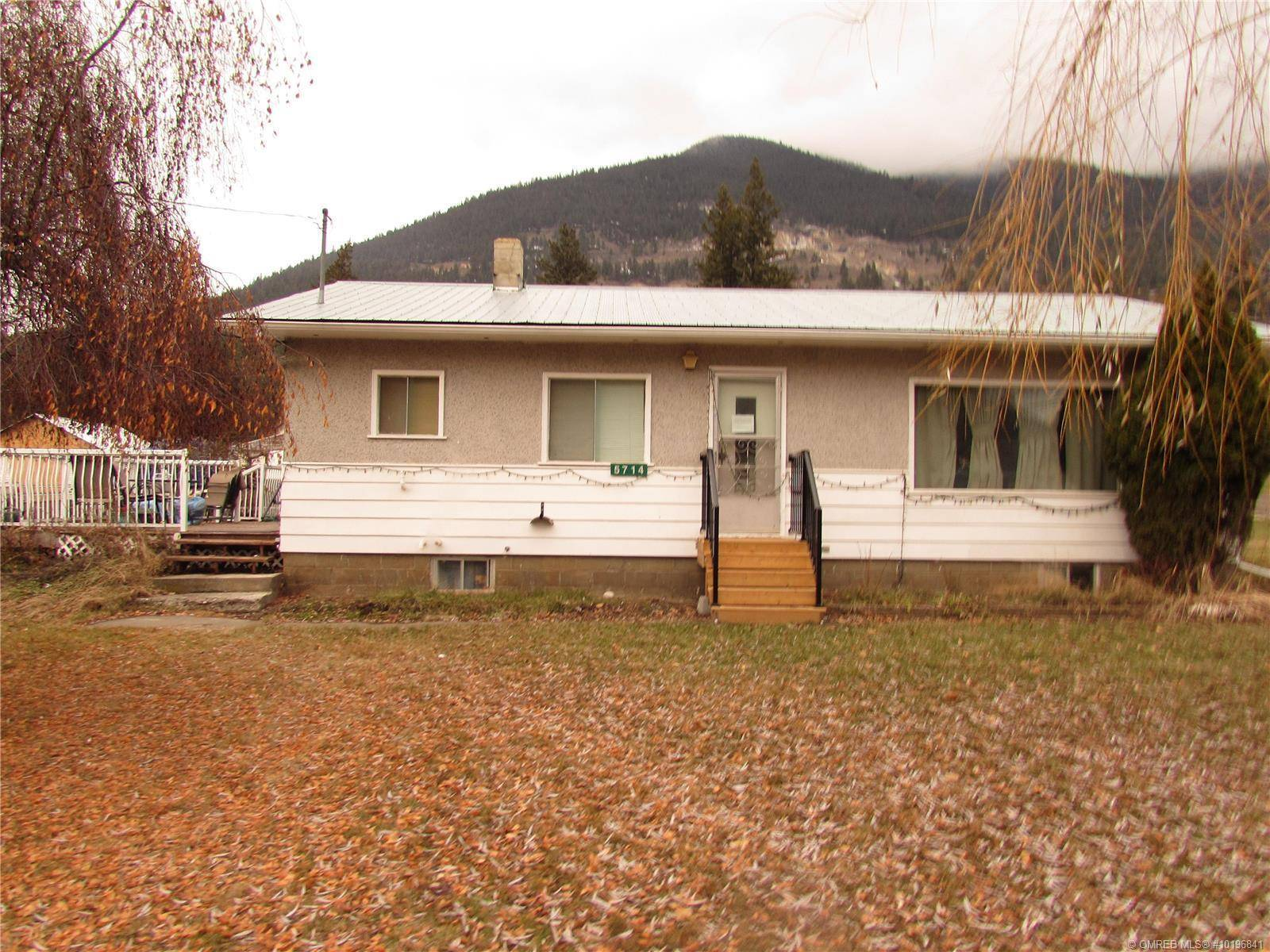 House for sale at 5714 Ponderosa Rd Falkland British Columbia - MLS: 10196841
