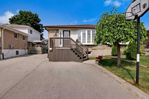 Townhouse for sale at 572 Chantenay Dr Mississauga Ontario - MLS: W4559076