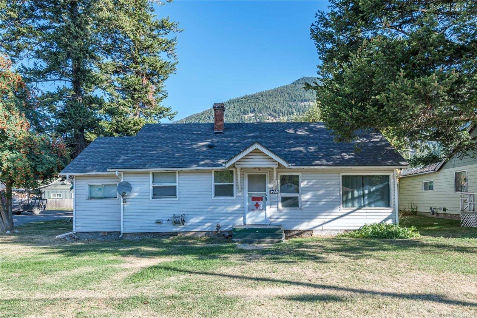 House for sale at 5722 Highway 97  Falkland British Columbia - MLS: 10215135