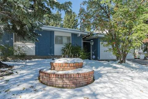 House for sale at 5731 Dalcastle Cres Northwest Calgary Alberta - MLS: C4270568