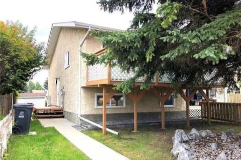 Townhouse for sale at 5741 56 St Rocky Mountain House Alberta - MLS: CA0185382