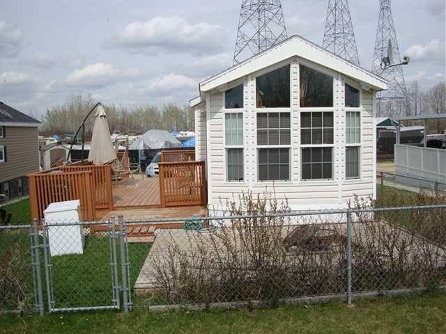 Home for sale at 576 Carefree Resort  Gleniffer Lake, Rural Red Deer County Alberta - MLS: C4173032