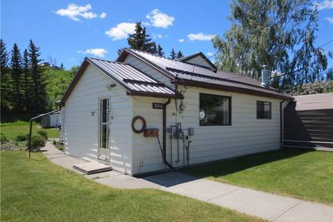 House for sale at 576 Kettles St Pincher Creek Alberta - MLS: LD0169025