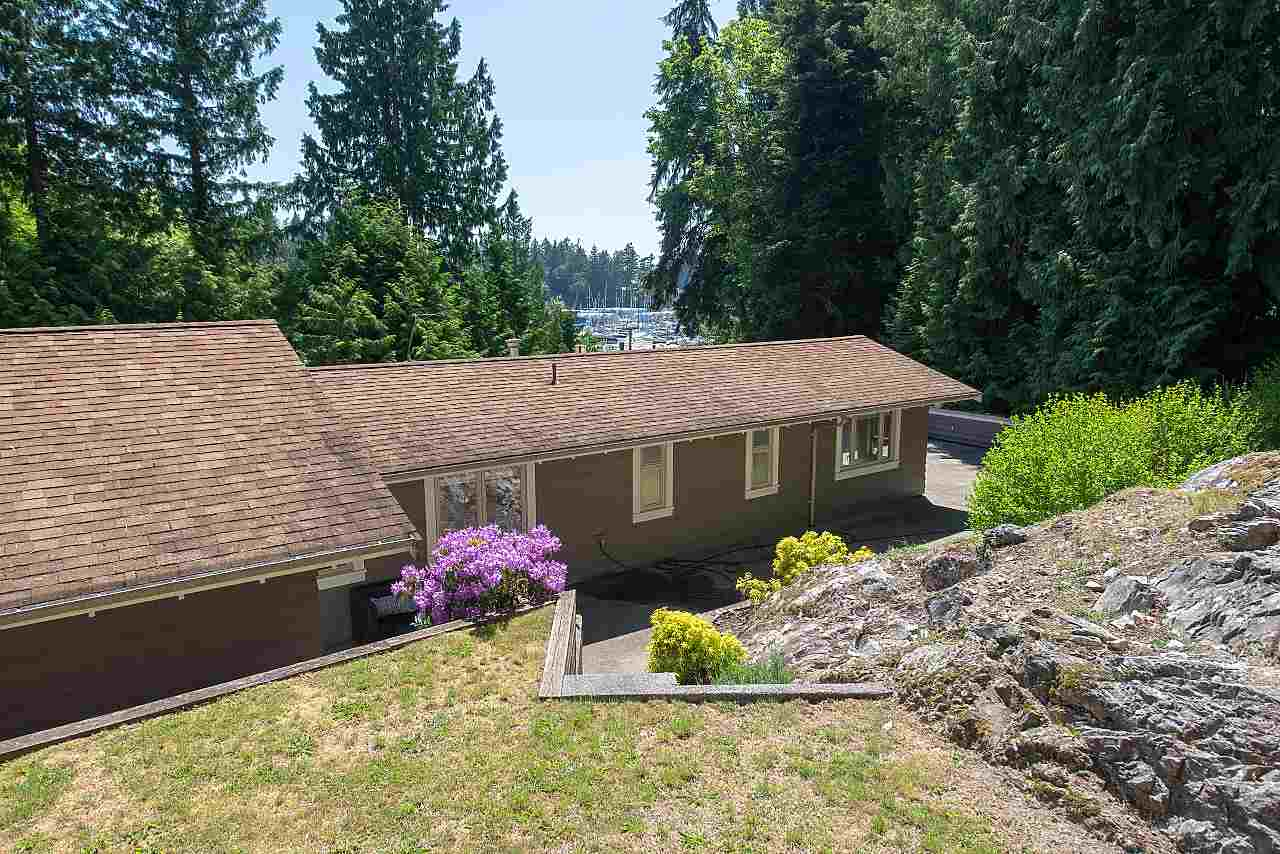 For Sale: 5770 Primrose Place, West Vancouver, BC | 3 Bed, 3 Bath House for $1,998,000. See 20 photos!