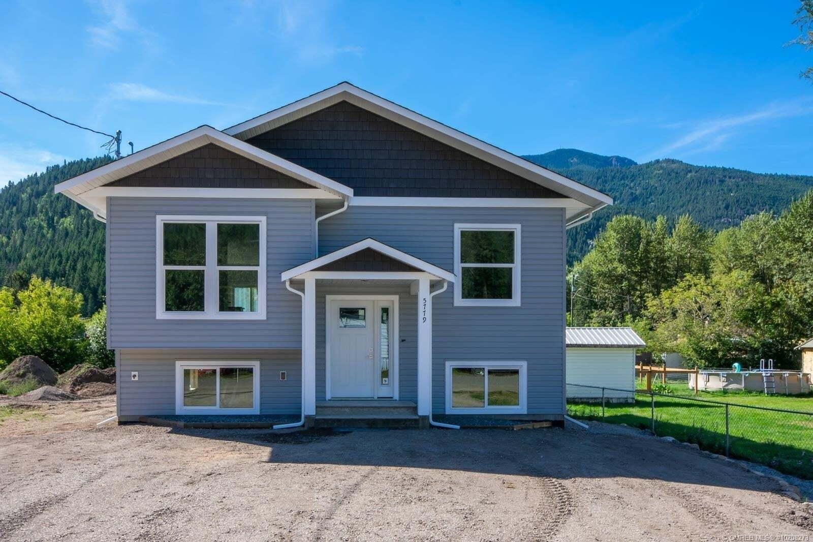 House for sale at 5779 Ponderosa Rd Falkland British Columbia - MLS: 10208273