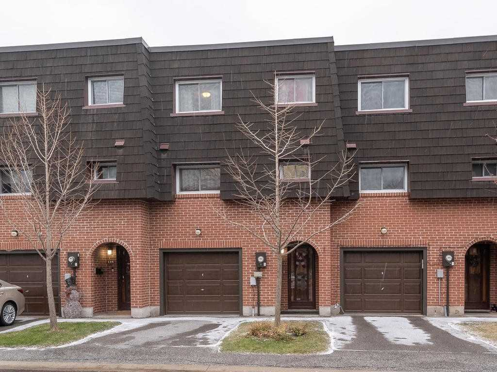 House for sale at 132 Darras Court Brampton Ontario - MLS: W4321381