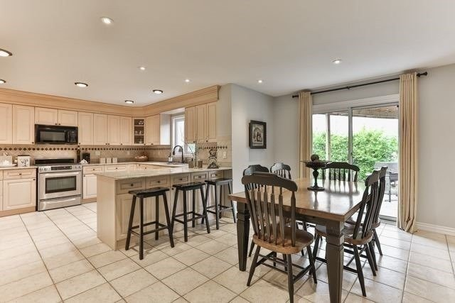 For Sale: 58 Pickett Crescent, Richmond Hill, ON | 4 Bed, 4 Bath House for $1,350,000. See 20 photos!