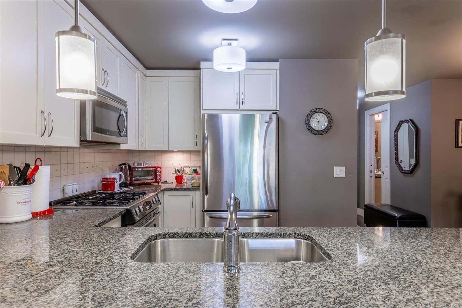 Condo for sale at 580 Sarsons Rd Kelowna British Columbia - MLS: 10215437