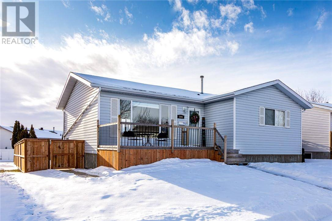 House for sale at 5801 Enevold Dr Camrose Alberta - MLS: ca0185748