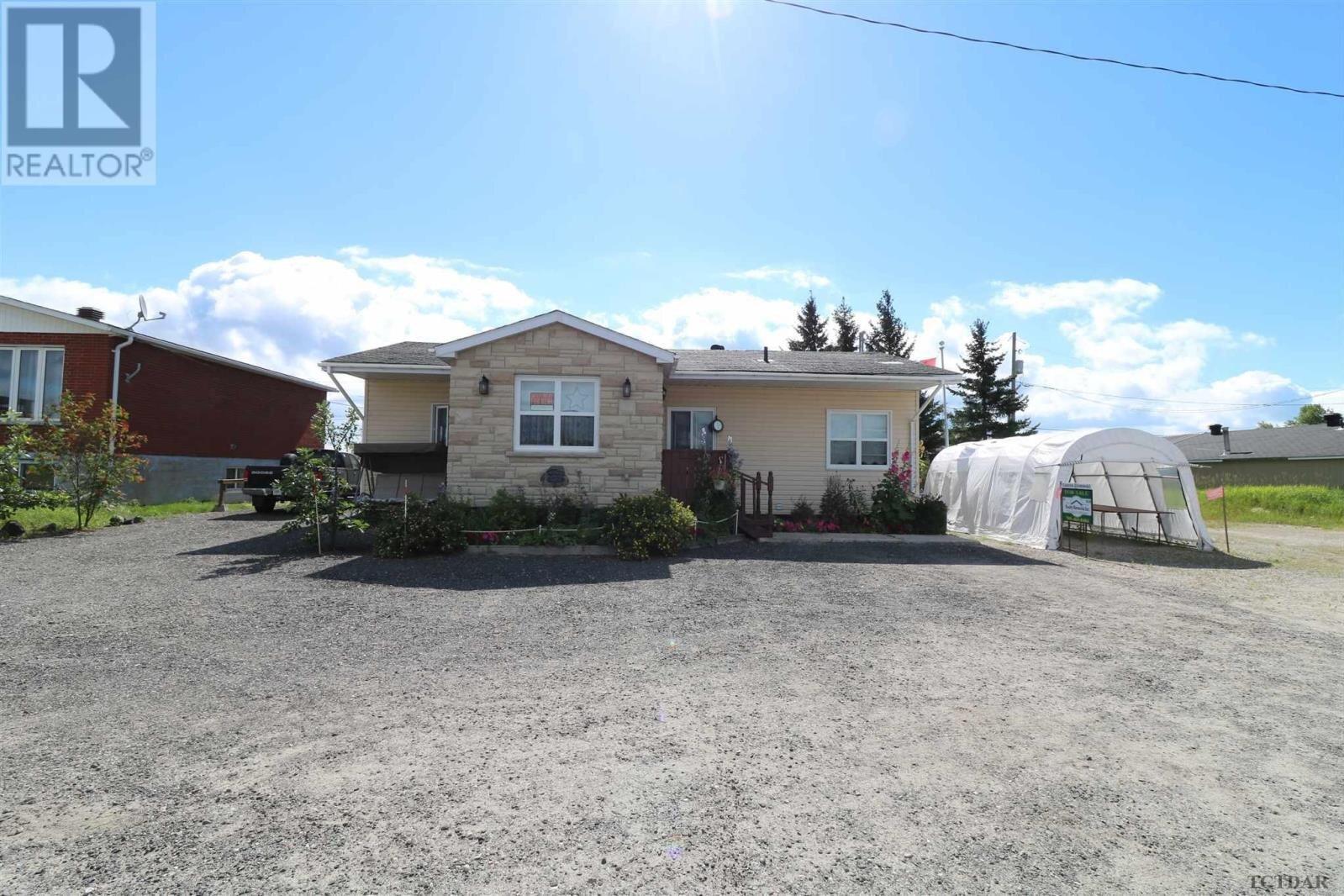 Townhouse for sale at 581 Ambridge Dr Iroquois Falls Ontario - MLS: TM201629