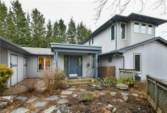For Sale: 5820 Jones Baseline , Guelph Eramosa, ON   3 Bed, 3 Bath House for $999,000. See 17 photos!