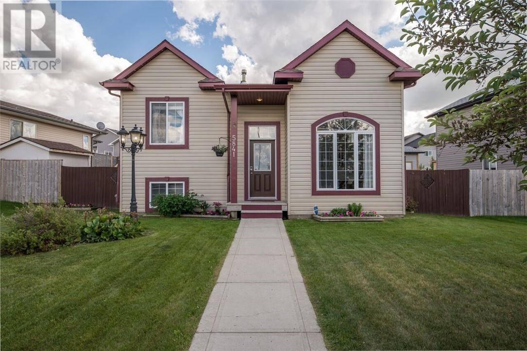 House for sale at 5841 Park St Blackfalds Alberta - MLS: ca0175018