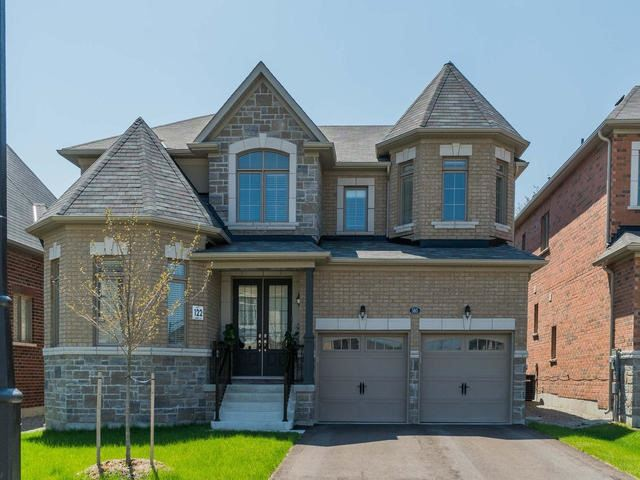 For Sale: 585 Mcgregor Farm Trail, Newmarket, ON   4 Bed, 4 Bath House for $1,388,000. See 20 photos!