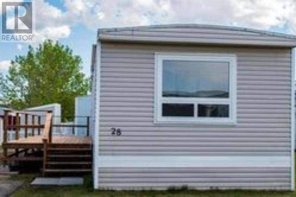 Home for sale at 5853 4th St West Claresholm Alberta - MLS: A1001957