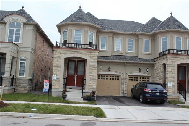 For Sale: 586 Settlers Road, Oakville, ON | 3 Bed, 3 Bath Townhouse for $949,900. See 20 photos!