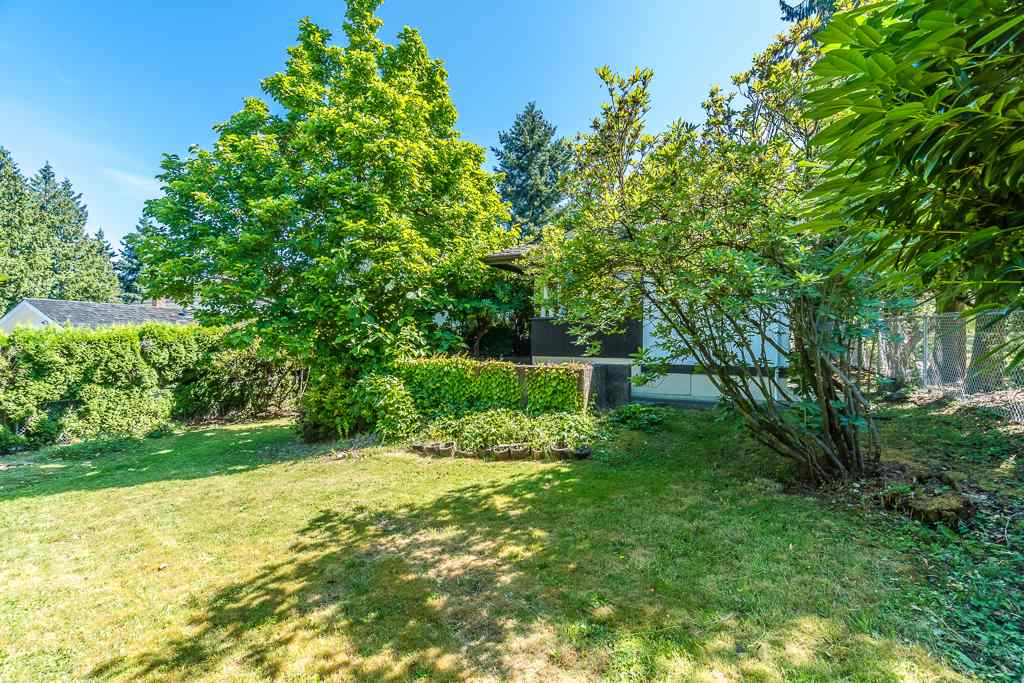 For Sale: 5865 Sperling Avenue, Burnaby, BC | 4 Bed, 3 Bath House for $2,588,000. See 16 photos!