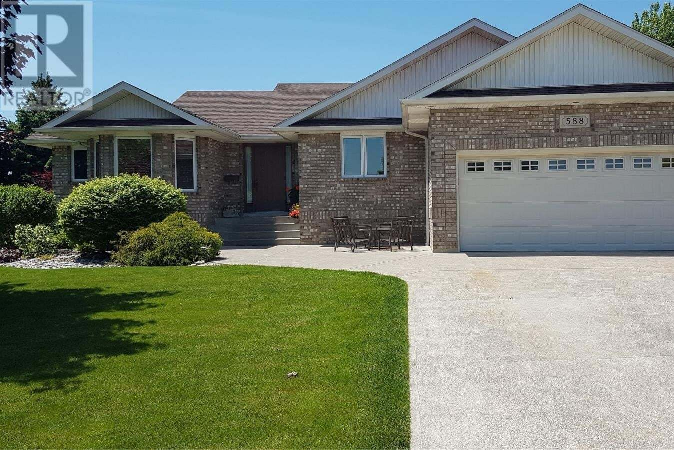 House for sale at 588 Bastien St Amherstburg Ontario - MLS: 20006197