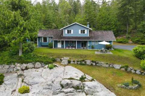 House for sale at 5885 Spriggs Rd Madeira Park British Columbia - MLS: R2469737
