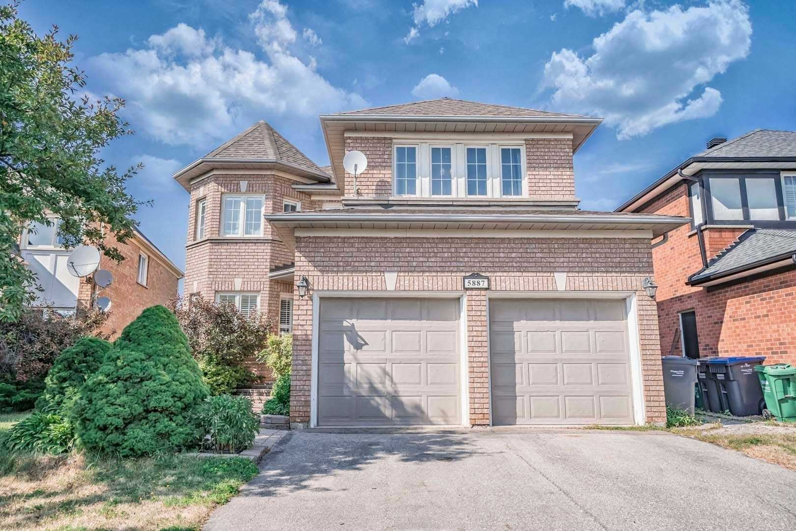House for sale at 5887 Bell Harbour Dr Mississauga Ontario - MLS: W4826719