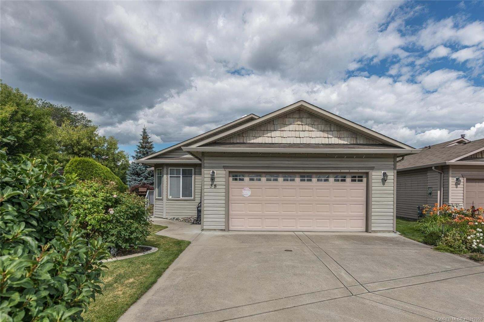 Townhouse for sale at 5888 Okanagan Landing Rd Vernon British Columbia - MLS: 10212350