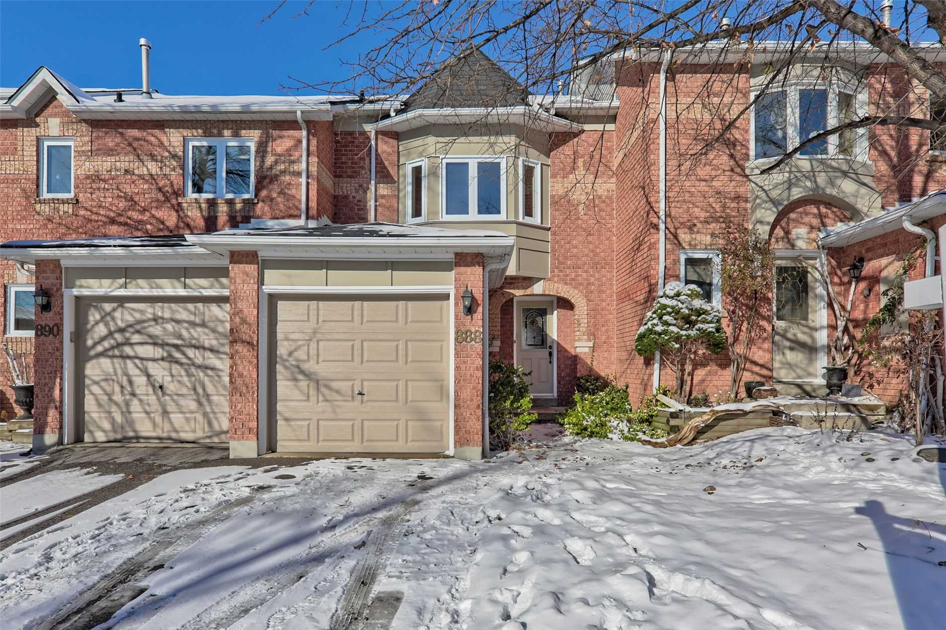 House for sale at 888 Caribou Valley Circle Newmarket Ontario - MLS: N4309574