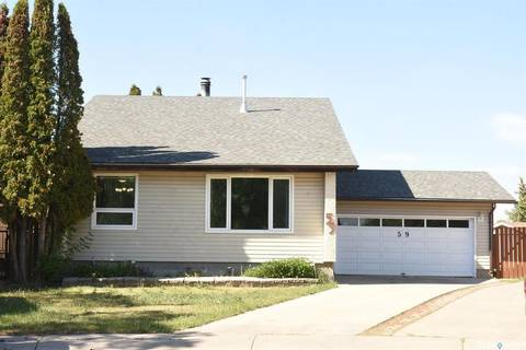 House for sale at 59 Carter Cres Regina Saskatchewan - MLS: SK803361