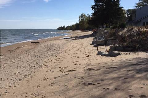 Home for sale at 59 Coopers  Pelee Island Ontario - MLS: 1711446
