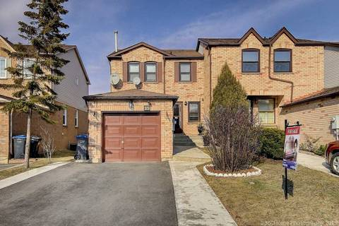 Townhouse for sale at 59 Cutters Cres Brampton Ontario - MLS: W4393165