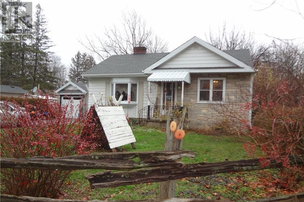 House for sale at 590 11th Street A  W Owen Sound Ontario - MLS: 40048543